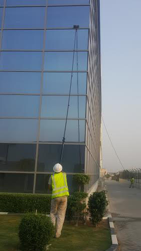 glass cleaning companies in dubai